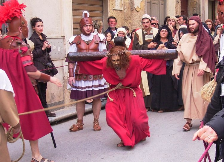 Holy week in Favignana